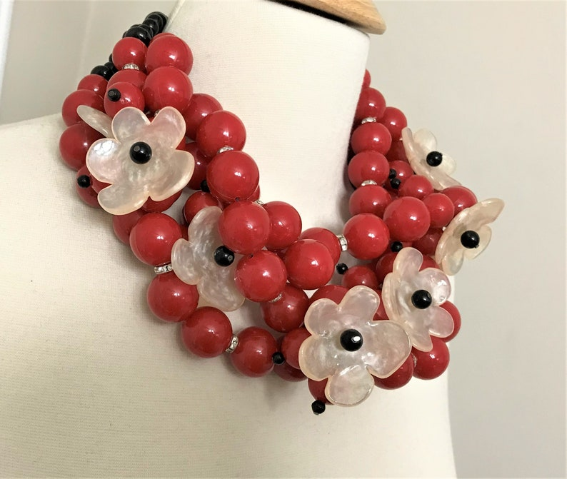 Fabulous Lucite Flowers /& Red Acrylic Beads Necklace In The Style of Angela Caputi