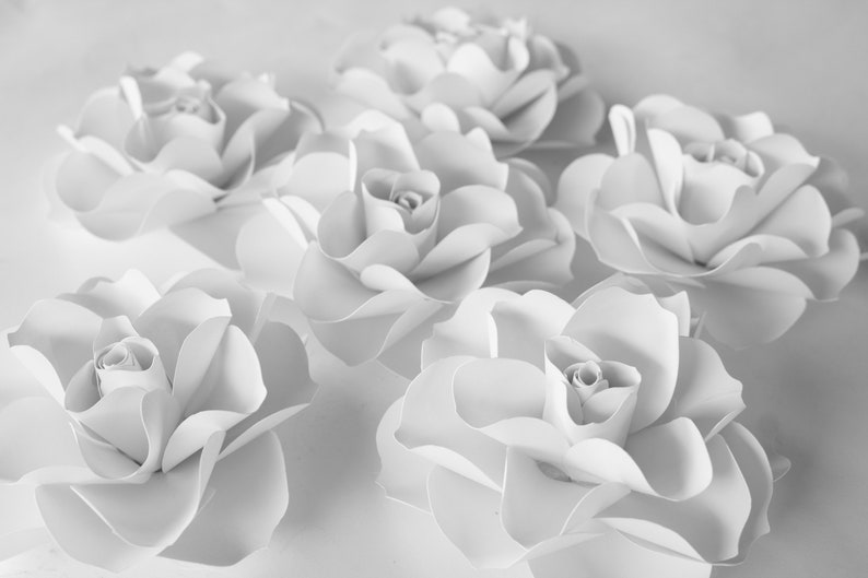 Wedding Party Bridal Shower Flowers 6 White Paper Roses Girl Bedroom Table Centerpiece Nursery Wall Flowers Flower Backdrop