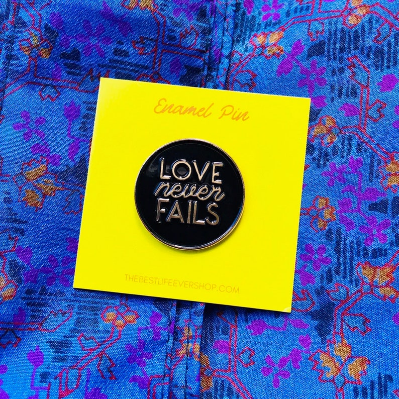 regional international pioneer jw org jw gifts Black and Gold best life ever Love Never Fails Enamel Pin