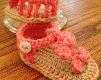 Little girl sandals with bows
