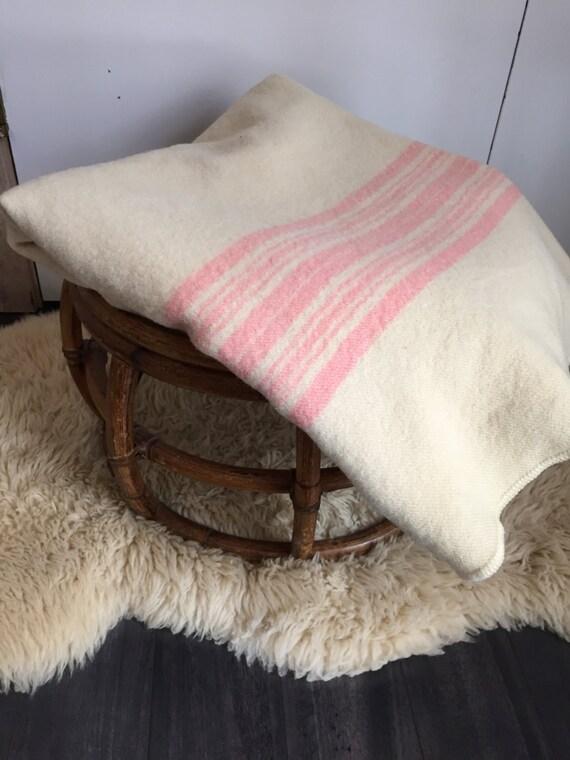 Couverture de Camp de laine rose pâle à rayures Pendleton classique Style Twin