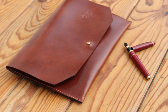 Handmade Leather Clutch. The best leather and Ludena design. Handbag, Minimalist , Handmade, Women, Gift, Brown leather.