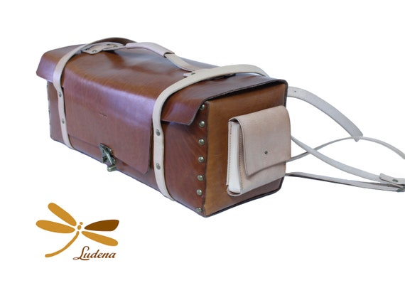 Custom leather bag for blacksmith's tools. Customized: measurements, pocket, shoulder strap ... Handmade with authentic full grain leather