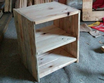Reclaimed Pine wood: Side Table
