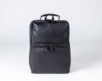 BLACK LEATHER BACKPACK - premium rucksack with laptop compartment macbook pro edc work bag