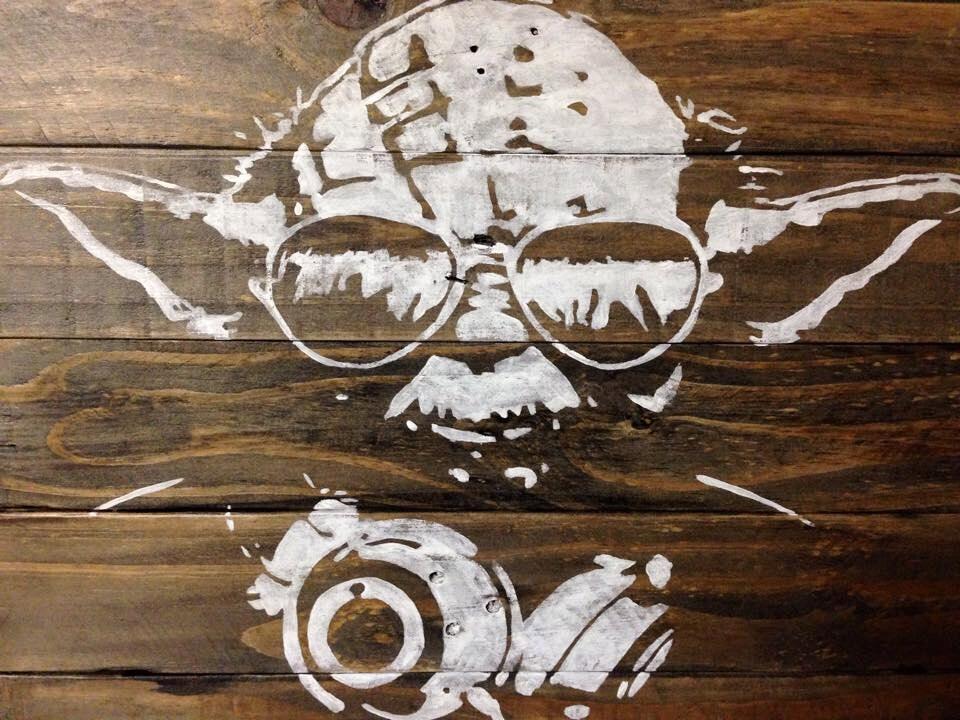 DJ Yoda Star Wars Yoda con auriculares y gafas de