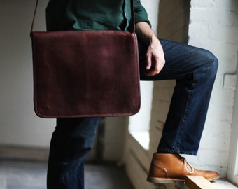 Custom Dane Men's Leather Messenger Bag