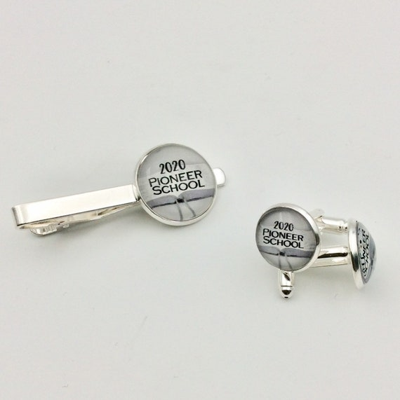 JW Spanish or English Pioneer School Class of 2020, and Cufflinks Set. Blue Velvet Gift Bag Included!