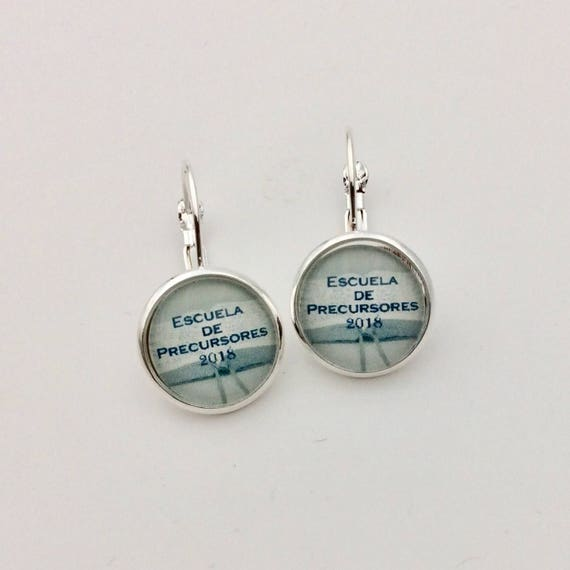JW.ORG Lever-Back Earrings 14mm Glass, Pioneer Scool 2018, Antique Brass or Silver tone metal. Choice of English or Spanish