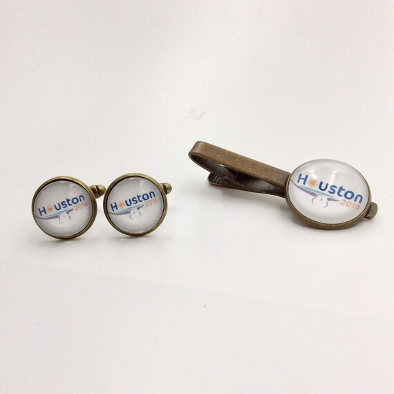 JW Houston International 2019, Cufflinks /Tie bar Set 14mm /20mm Silver-tone and Glass.  Antique or Silver plated.  Blue Velvet gift bag