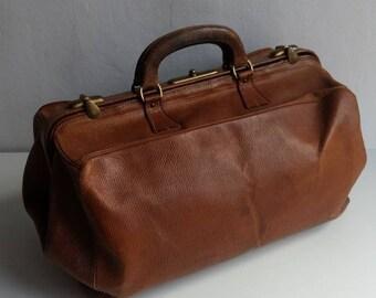 d31c5b87f0 GRAND Français sac de médecin en cuir marron antique/Vintage/sac  Gladstone/nuit/week-end sac, CIRCA début des années 1900.