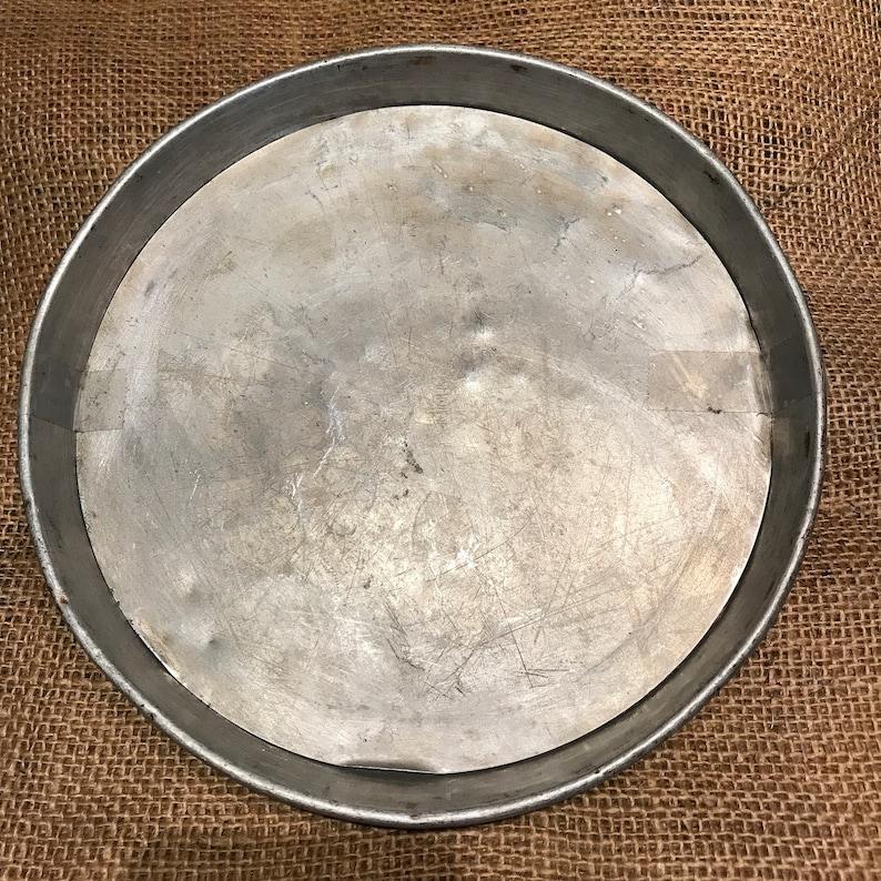 Two Piece Pan Vintage Kitchen Utensil 1950/'s Tart Pan 8.5 Aluminum Pan Removable Bottom Great Kitchen Display or Use