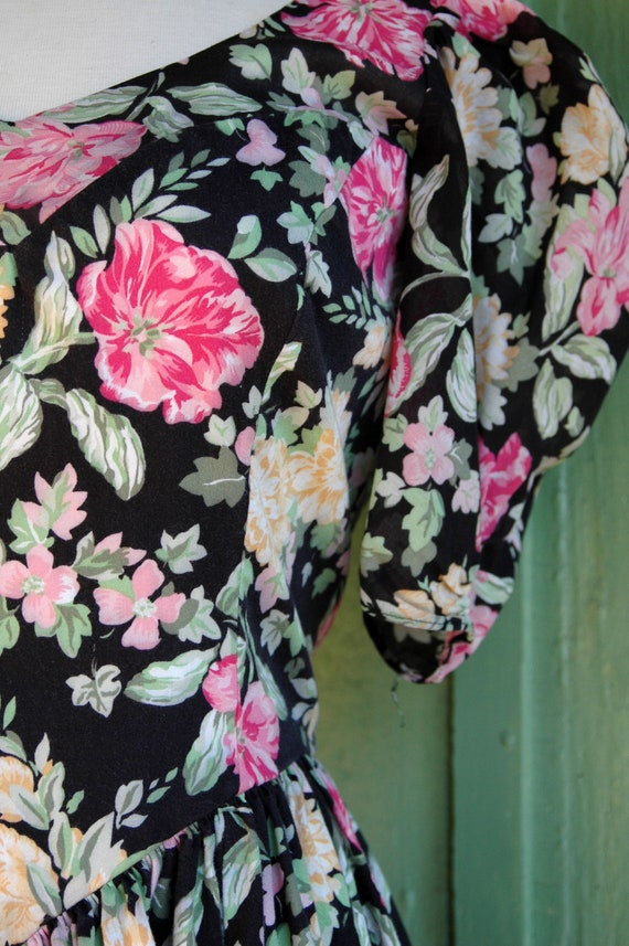 1990s Laura Ashley Pink and Yellow Floral Print D… - image 9