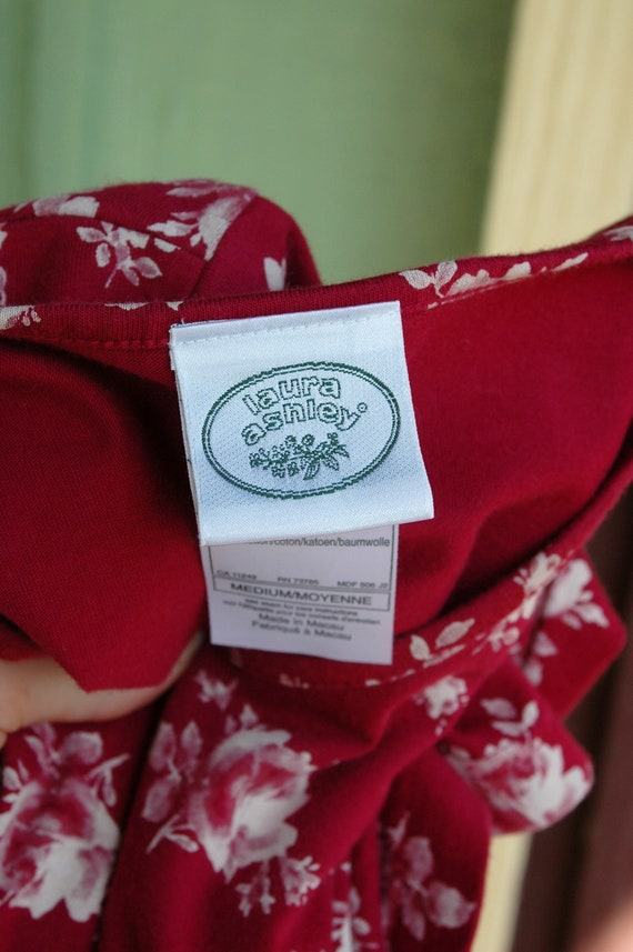 1990s 2000s Red and White Rose Print Laura Ashley… - image 8