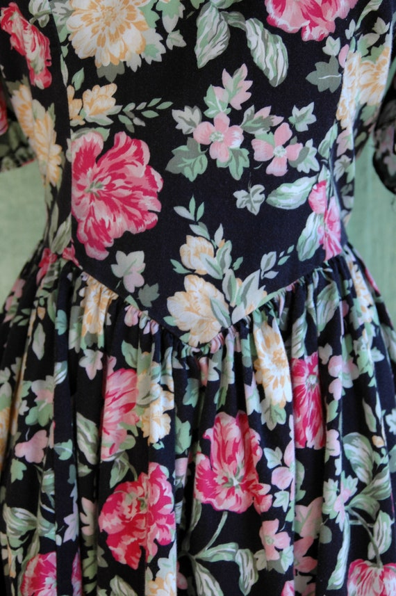 1990s Laura Ashley Pink and Yellow Floral Print D… - image 5