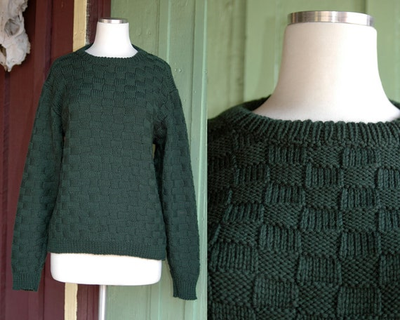 1980s 1990s Hand Knit Dark Green Checkerboard Pull