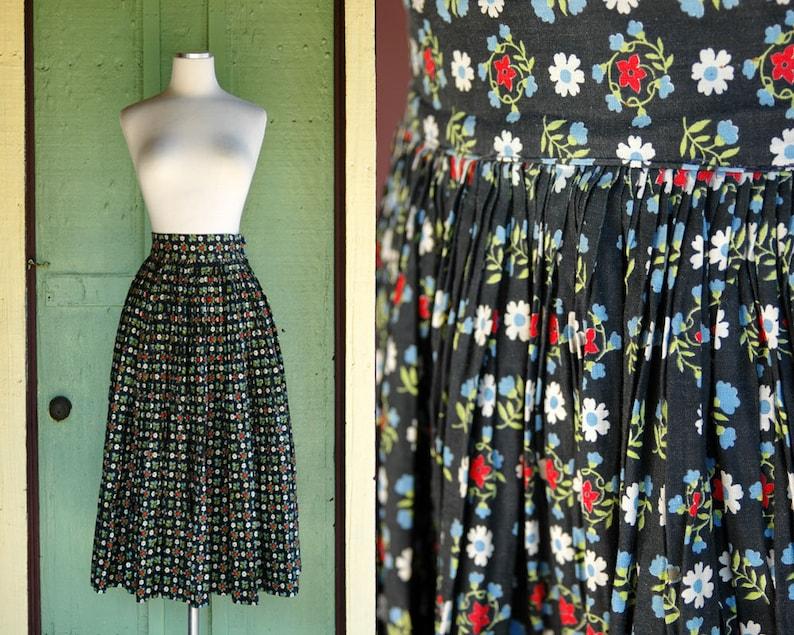 87a8c1435052 1950s Navy Blue Floral Print Full Skirt    50s Blue Red White