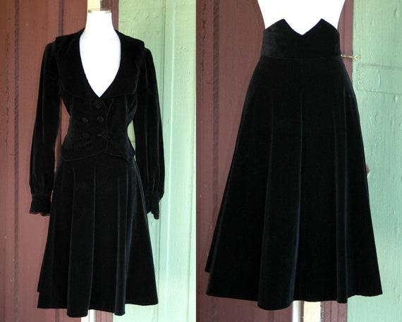 1950s Black Velvet Blazer and Skirt Set // 50s Wit