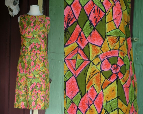 1960s Green and Pink Abstract Geometric Print Shif