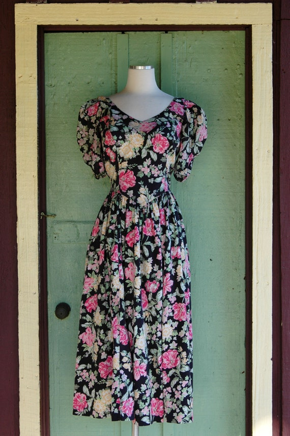 1990s Laura Ashley Pink and Yellow Floral Print D… - image 2