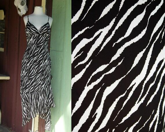 1990s 2000 Black White Zebra Striped Dress // 90s