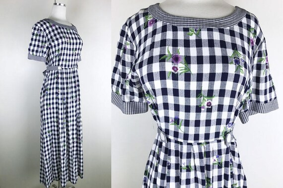1990s Navy Blue and White Plaid Jumper with Petite