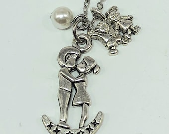 Happy Family Kissing Couple Key Ring or Necklace, Family and Love, Meaningful Mommy Daddy Gifts, Personalized Family Gifts, Moon Jewelry.