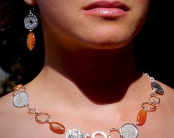 Orange Agate Jewelry, Silver link Necklace, Silver and gold Agate Necklace, Handcrafted Boho Jewelry, Flower motif silver necklace