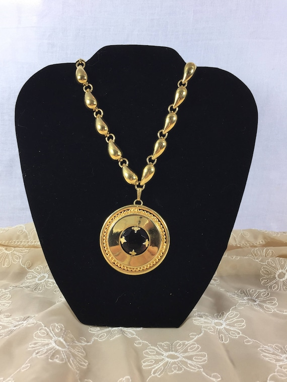MONET Vintage gold large necklace with Circular pe