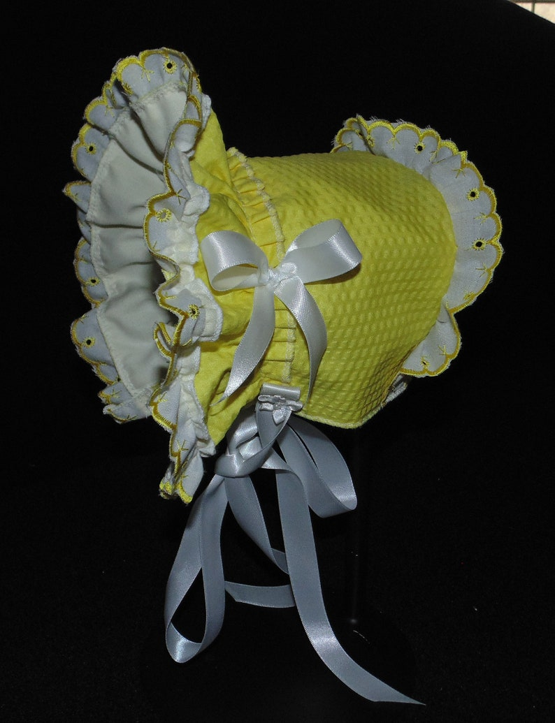 New Handmade Yellow Searsucker with White Yellow Edged Cotton Eyelet Lace Baby Bonnet