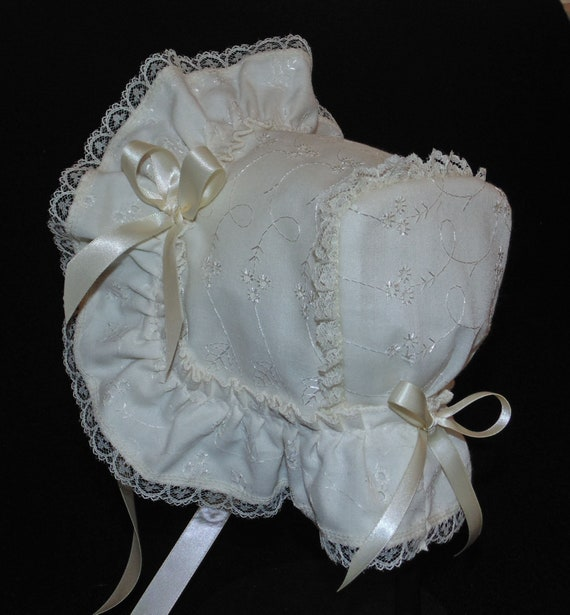 New Handmade White Cotton Eyelet with White Lace /& Trim Baby Bonnet