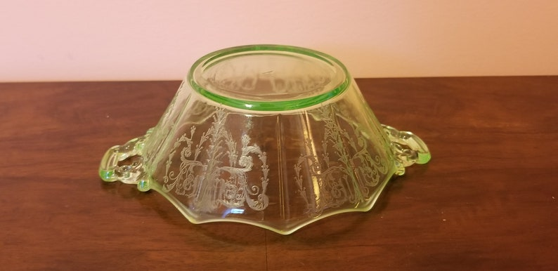 Green Cambridge Glass Decagon Bowl with Handles in Cleo Pattern Uranium Glass
