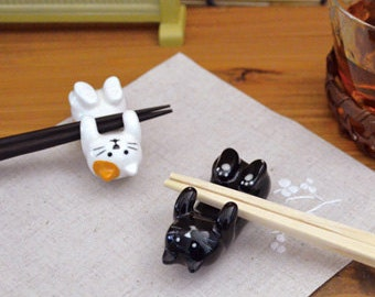 Kawaii Lying Japanese Calico and Black Cat Chopstick Rests: Ceramic chopstick holder, Cutlery Rests, Tableware Pottery/Porcelain