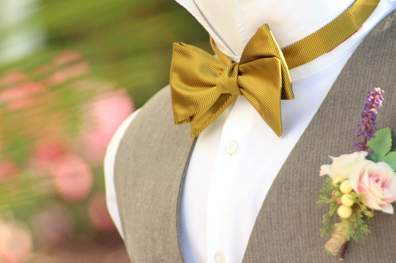 Men/'s Bowtie Purple Striped Wedding Self Tied Bow Tie Ties Men Groomsmen Gift