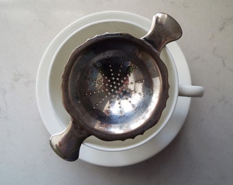 Vintage Tea Strainer, 1950s, Silver plated. English Silver Plate Looseleaf Tea Infuser. Perfect For An Afternoon Tea Party Or As A Tea Gift