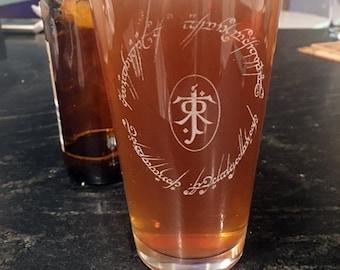 LOTR Tolkien Beer Pub Pint Glass Square Pattern, LOTR Drinkware