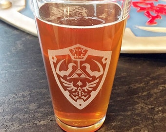 Hylian Shield Legend of Zelda Beer Pub Pint Glass, LOTR Drinkware