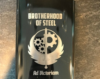 Fallout 4 Brotherhood of Gloss Steel Hip Flask, Stainless Steel