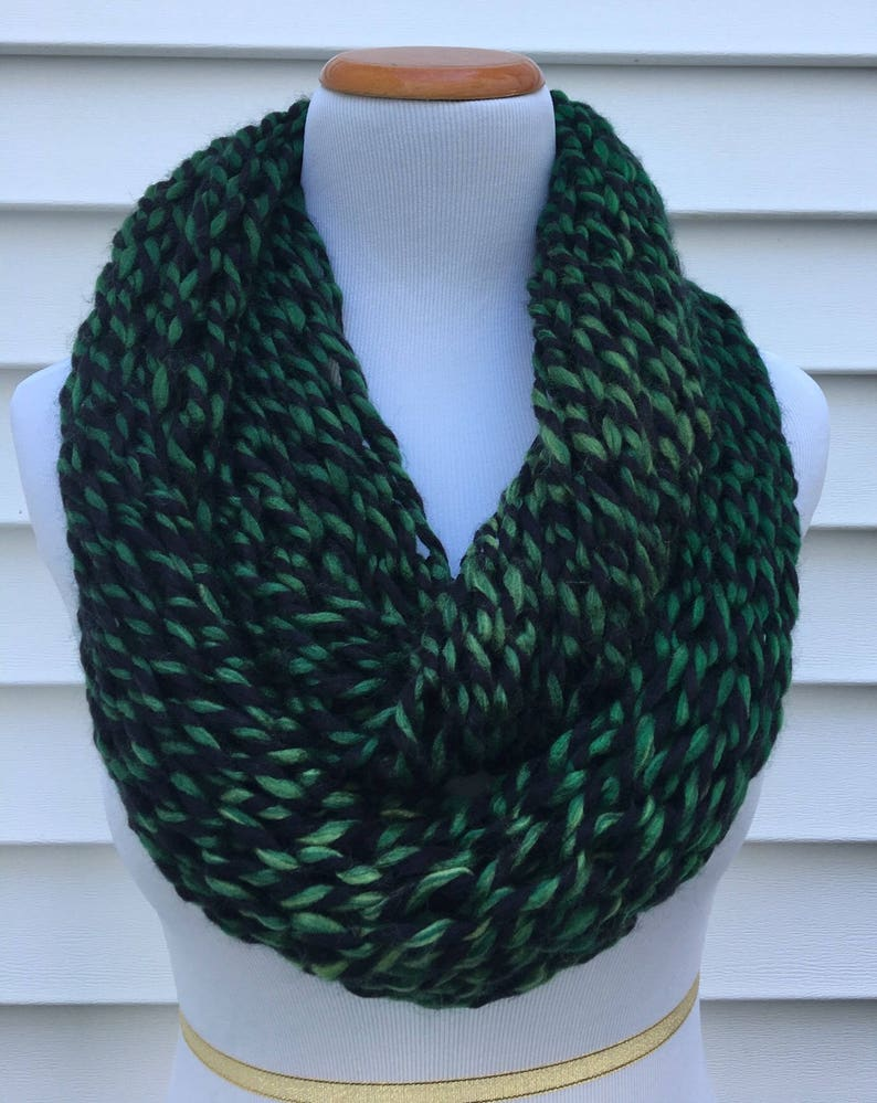 Christmas Scarf.Green Scarf Christmas Scarf Holiday Scarf Spring Scarf Knitted Infinity Eternity Winter Scarf