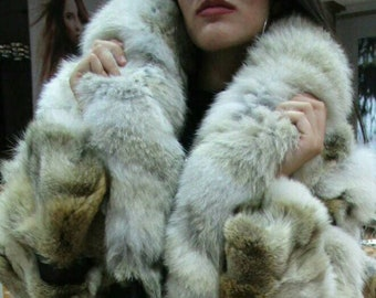 New!Natural Real Coyote Fur coat with leather stripes and fox collar