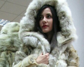 New in!Natural Real Hooded Coyote Fur Coat!