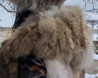 New!BEAUTIFUL FLUFFY Natural Real Hooded Coyote Vest!