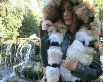 New!BEAUTIFUL FLUFFY SOFT Natural Real Hooded Coyote Vest!