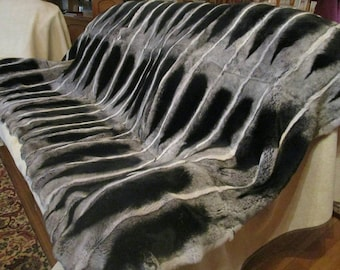 FuR For HomE!Brand New, Real,Natural FULLSKIN REX Fur Throw Blanket in Beautiful chinchilla color!