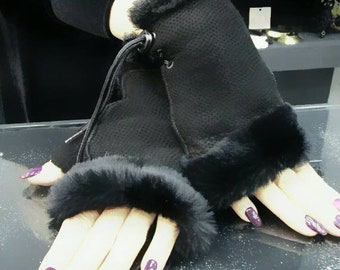 New!Natural,Real Black Sheepskin short GLOVES!!!