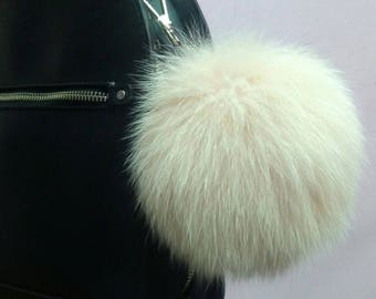 New! FOX POMPOM-keychains in Beautiful  Light beige color! Free shipping for any 2 items.