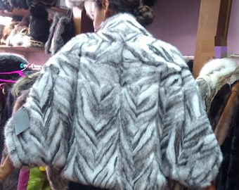 New! Fine Natural Real Black kross MINK-One Size Fur Cape!