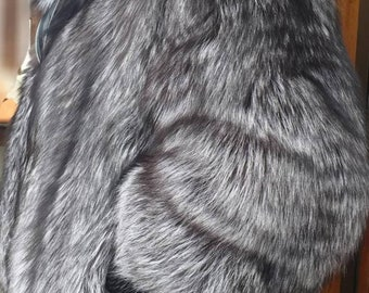 Men'S New!Real Natural Full pelts SILVER  FOX Fur Bomber Jacket with Collar!