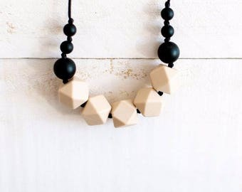 Silicone Teething Necklace for Mom - Nursing & Babywearing Distraction Necklace – Geometric BPA free Chew Beads – Teething Beads - Gift