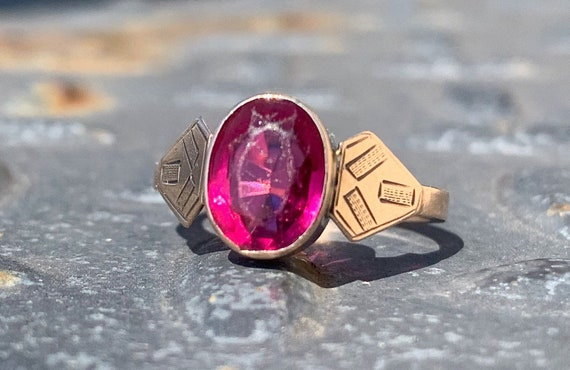 1920s 9k Rose Gold Etched Ring with Ruby Glass